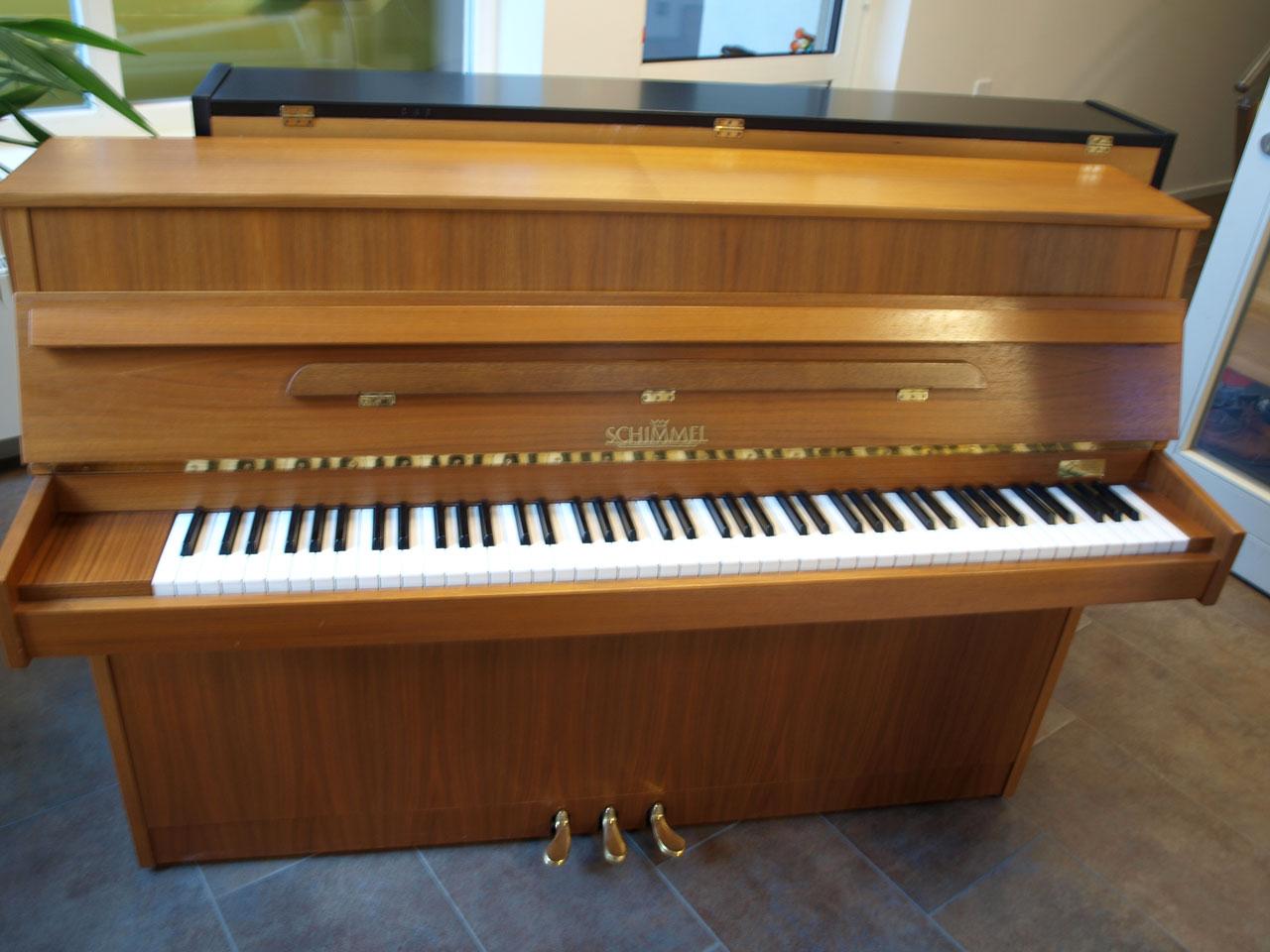 Schimmel - Klavier, Mod. 106